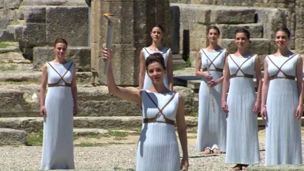 Video «Das Olympische Feuer ist entfacht» abspielen