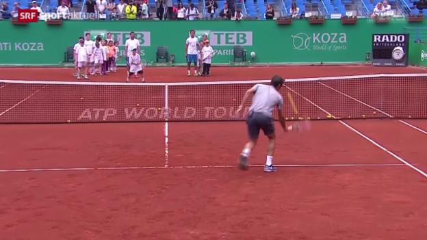 Video «Tennis: Roger Federer vor dem ATP-Turnier in Istanbul» abspielen