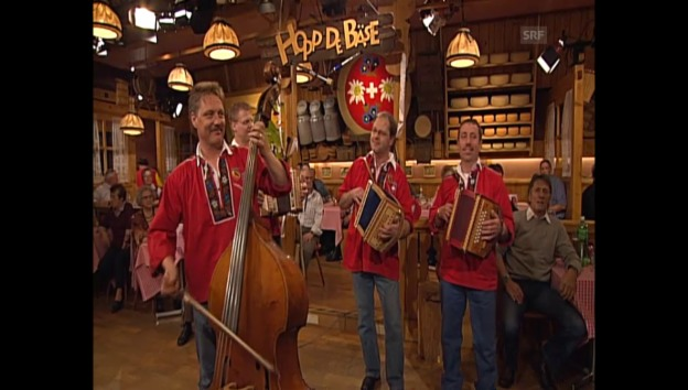 Video «Archivaufnahme: Schwyzerörgeli-Quartett Längenberg» abspielen