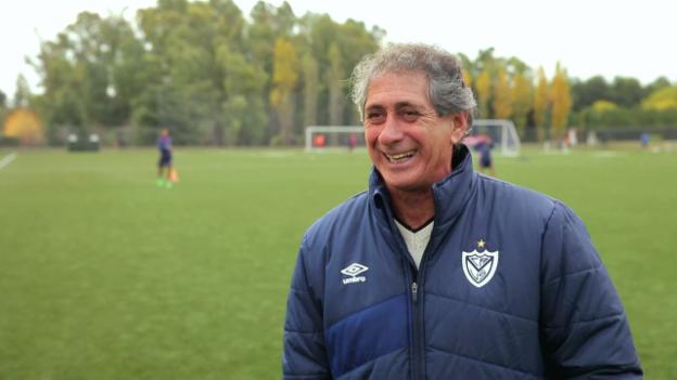 Video «Weggefährten charakterisieren Diego Simeone» abspielen