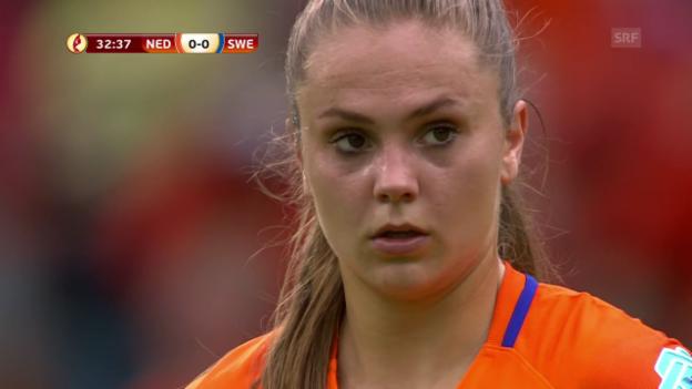 Video «Penalty verweigert, Freistoss geht rein» abspielen