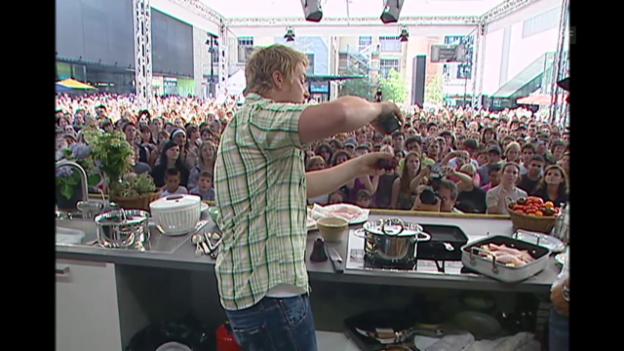 Video «Kochen mit Jamie (Tagesschau, 15.8.2007)» abspielen