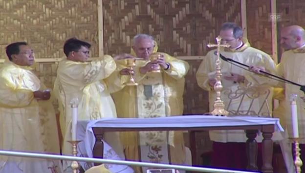 Video «Papst feiert Messe in Tacloban (unkomm.)» abspielen