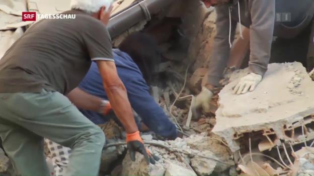 Video «Mindestens 120 Tote nach Erdbeben in Italien» abspielen
