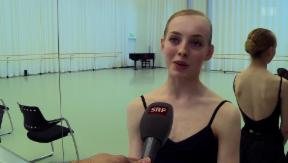 Video «Nachwuchshoffnung: Balletttänzerin Lou Spichtig» abspielen