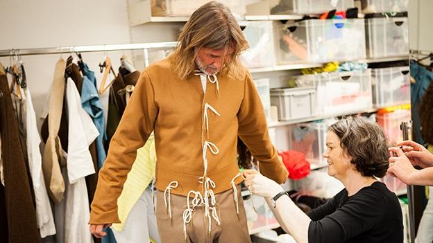 Auf Tuchfühlung mit der mittelalterlichen Kleidung