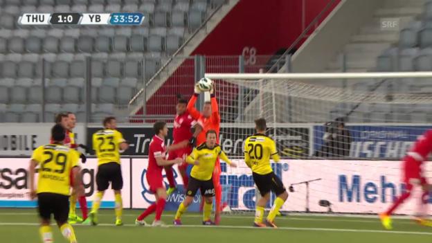 Video «Fussball: YBs Wölfli verletzt sich» abspielen