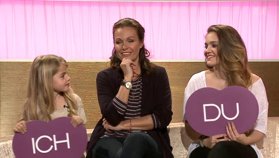 Karina Berger mir ihren Töchtern Noemi und Shenay