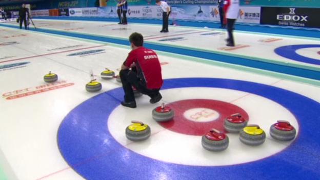 Video «Curling: WM Männer in Peking, Round Robin, Schweiz-USA, entscheidende Steine» abspielen