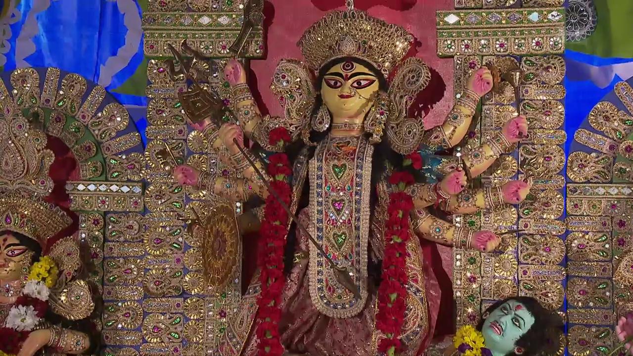 Zur hinduistischen Durga Puja Feier