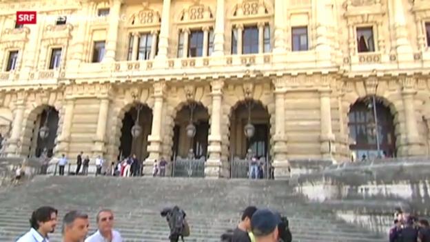 Video «Berlusconi droht definitive Verurteilung» abspielen