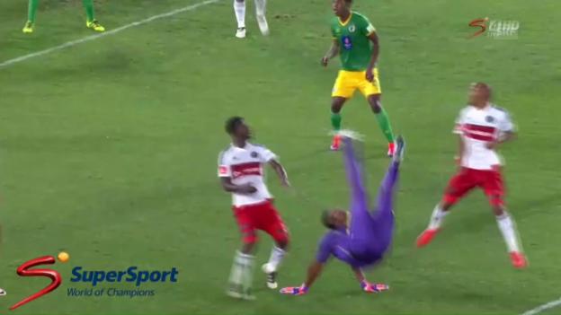 Video «Ein Genuss: Goalie trifft mit Fallrückzieher» abspielen