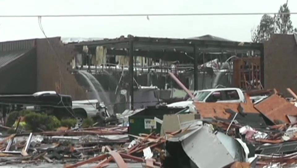 Tornados verwüsten den Süden der USA (unkommentiert)
