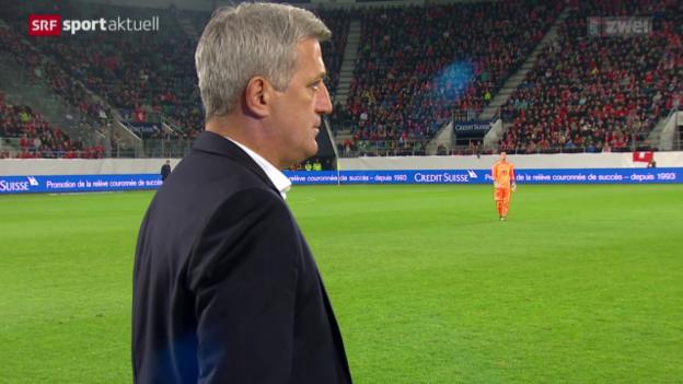 Video «Petkovic verlängert als Nati-Coach» abspielen
