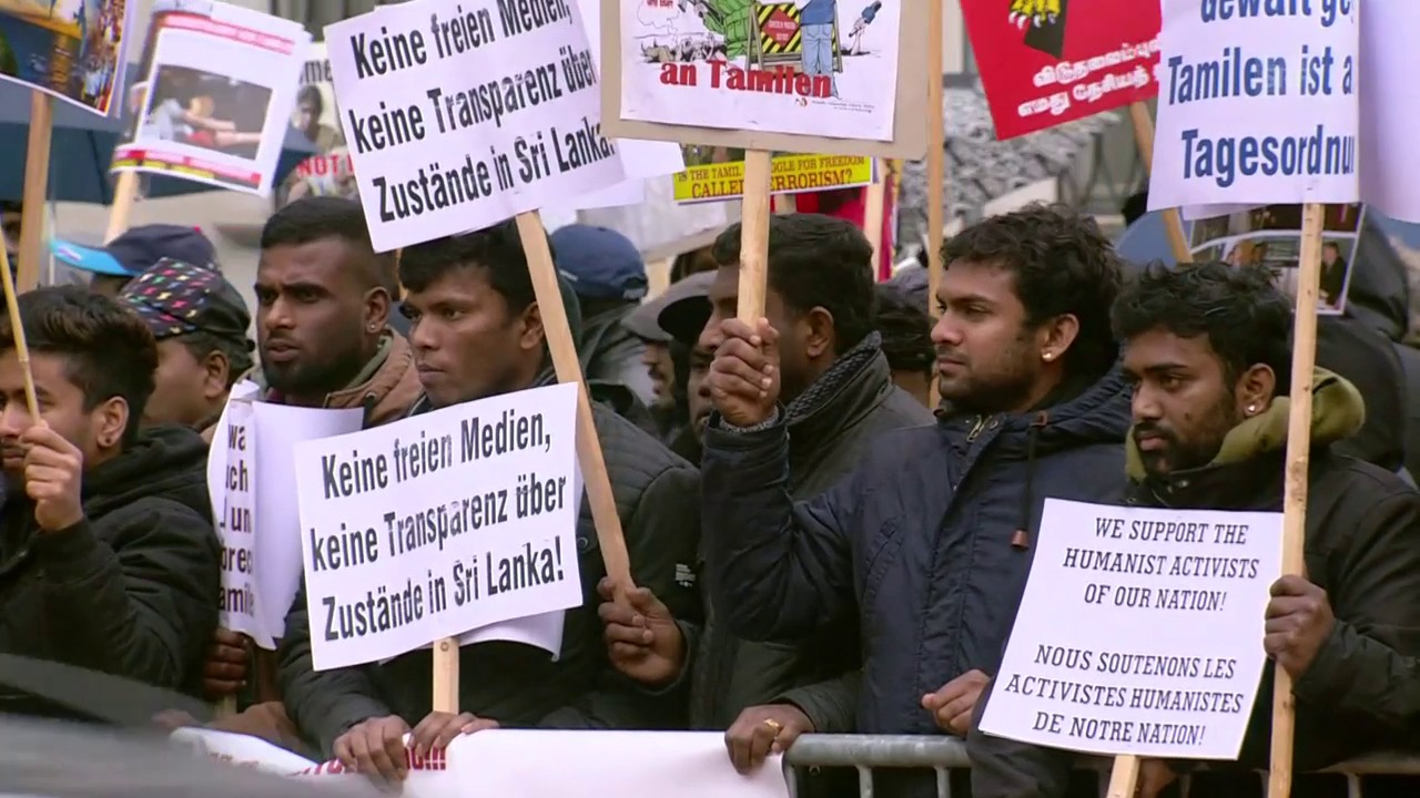 Tamilen demonstrieren in Bellinzona gegen Tamil-Tigers-Prozess