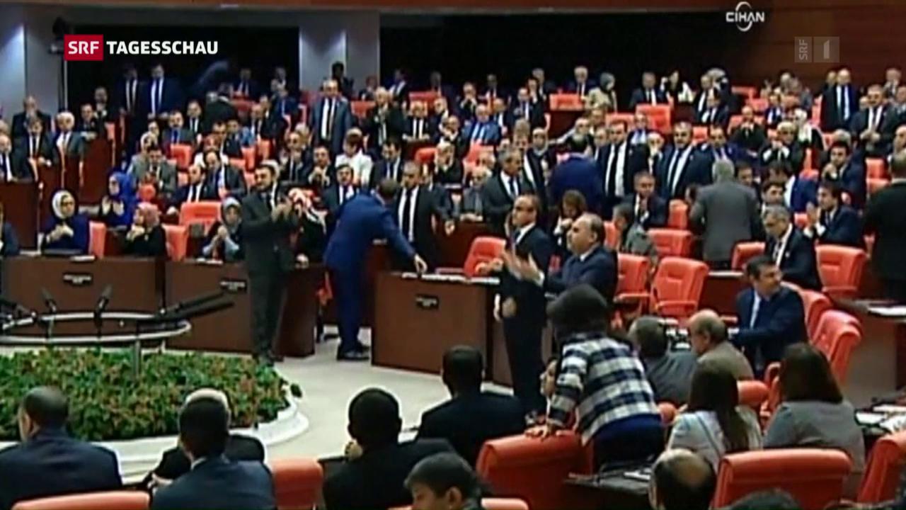 Türkisches Parlament gegen Oppositionspolitiker