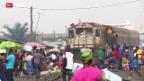 Video ««10vor10»-Weihnachtsserie: Bahnhof Accra» abspielen