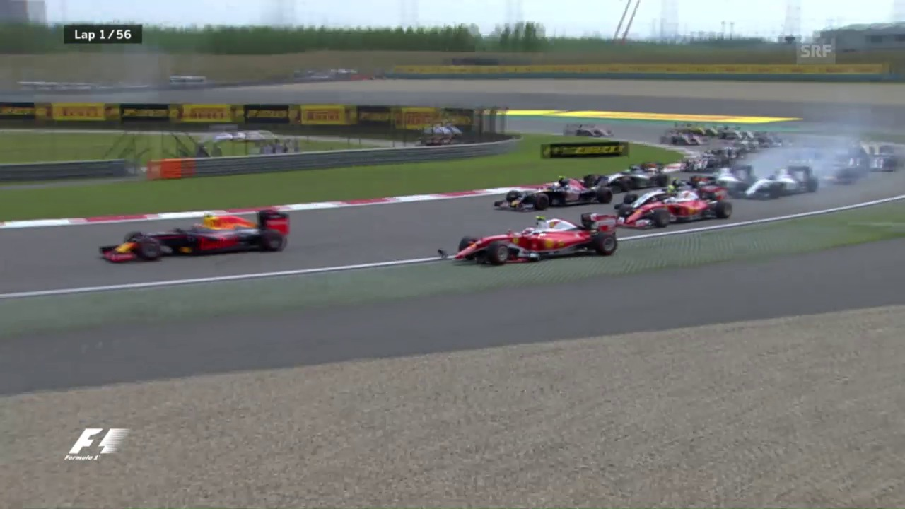 Ferraris kollidieren nach der 1. Kurve