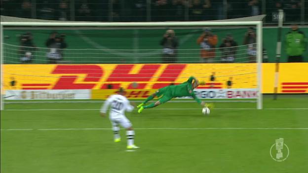 Video «Der folgenschwere Penalty-Fehlschuss von Gladbachs Djibril Sow» abspielen