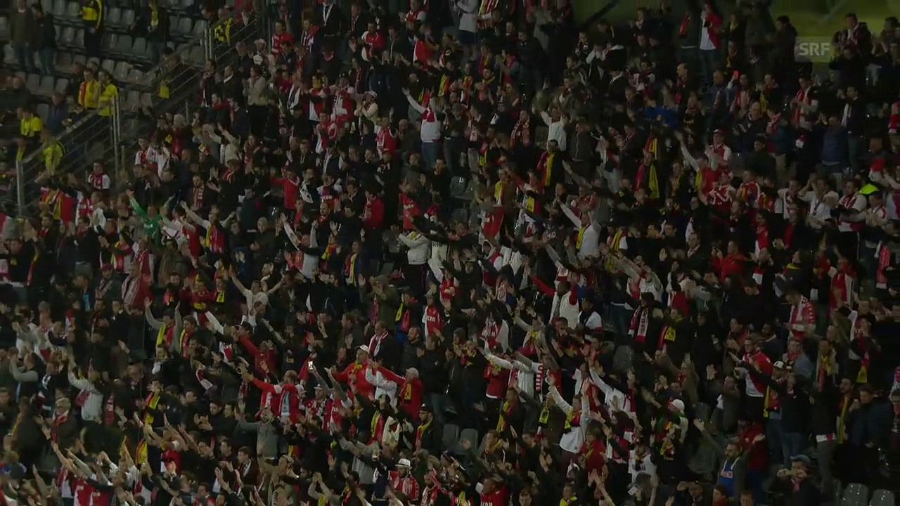 Monacos Fans bejubeln BVB