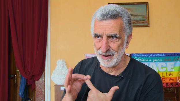Video «Folge 5: Durch den Stretto di Messina auf die Insel Lipari» abspielen