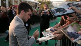 Video «Kreischalarm: Benicio del Toro und Josh Hutcherson in Zürich» abspielen
