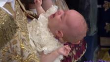 Video «Nicolas bei der Taufzeremonie» abspielen
