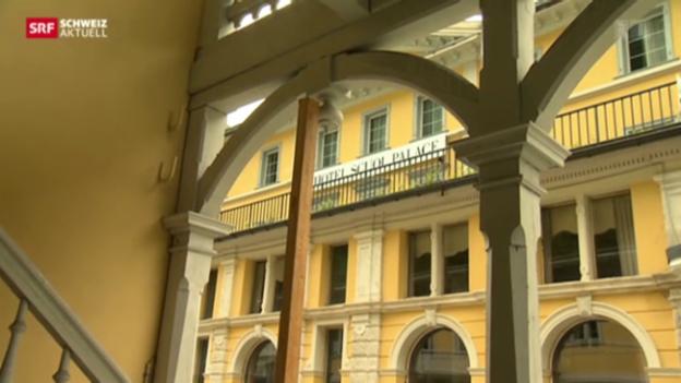 Video «Das «Scuol Palace» - ein Hotel und sieben Versteigerungsversuche» abspielen