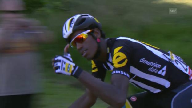 Video «Rad: Tour de France 2015, 6. Etappe, Daniel Teklehaimanot schlüpft ins gepunktete Trikot» abspielen