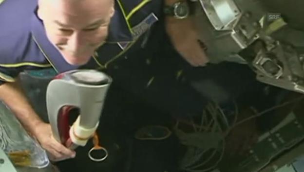 Video «Fackel kommt auf der ISS an (englisch)» abspielen