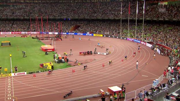 Video «Leichtathletik WM: 4-mal 100 m Staffel Männer Final» abspielen