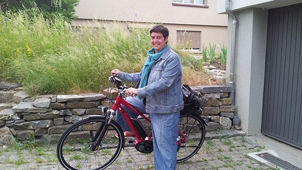 Pia Kaeser steigt aufs E-Bike