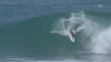 Link öffnet eine Lightbox. Video Kelly Slaters erster Auftritt in Oahu abspielen