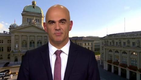 Video «Berset erstaunt über SVP- und FDP-Vorstösse» abspielen