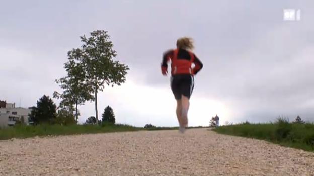 Video «Mit Joggen den Schmerzen davonlaufen» abspielen