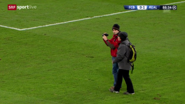 Video «Fussball: CL, Basel-Real, Unterbruch wegen Zuschauern» abspielen