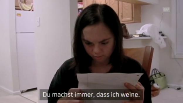 Video «David tröstet Monica» abspielen