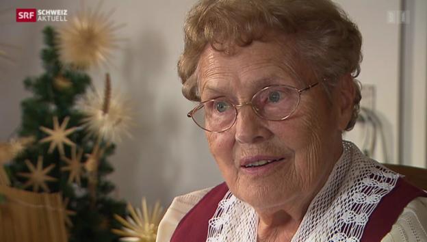 Video «Aargauerin verschönert Weihnachten mit seltenem Handwerk» abspielen