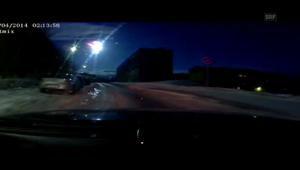 Meteorit erleuchtet Nachthimmel von Murmansk