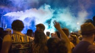 Video «Prügelattacken nach Partys: Wie sicher ist der öffentliche Raum?» abspielen