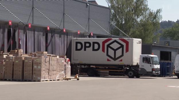 Video «Ärger mit Paketdienst: Gefälschte Kunden-Unterschriften» abspielen