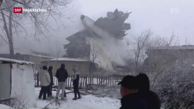 Video «Frachtflugzeug stürzt in Kirgistan ab» abspielen