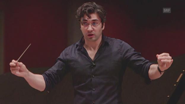 Video «David Afkham: Die Magie des Taktstocks» abspielen