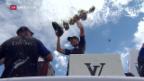 Video «Die «Kiwis» stemmen die weltweit älteste Sporttrophäe in die Höhe» abspielen