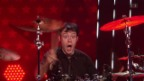 Video «Mike Fahrni spielt Schlagzeug und zieht Grimassen» abspielen