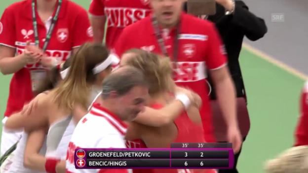 Video «Hingis/Bencic machen den Halbfinal-Einzug im Fed Cup perfekt» abspielen