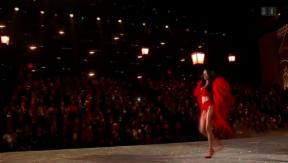 Video «Sexy Engel: Alessandra Ambrosio und Adriana Lima in Hochform» abspielen