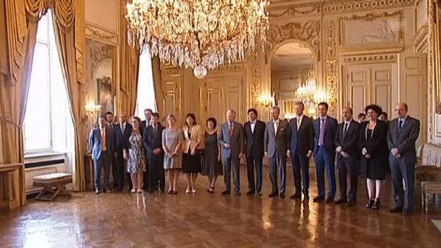 Video «Der erste Tag von Philippe als König» abspielen