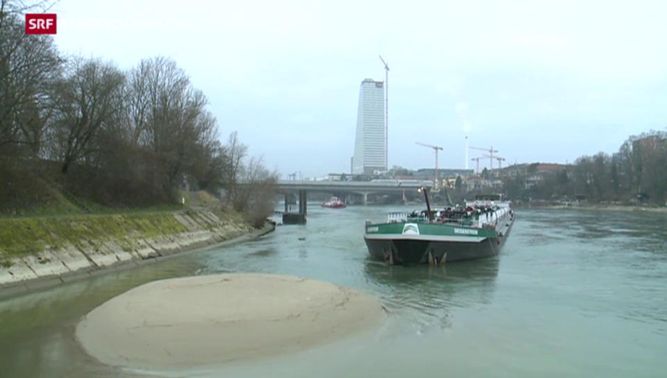 Tanker blockiert den Rheinschifffahrt