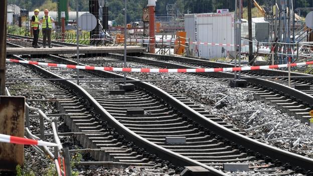 Gesperrte Nord-Süd-Trasse: Schweizer Firmen im Dilemma